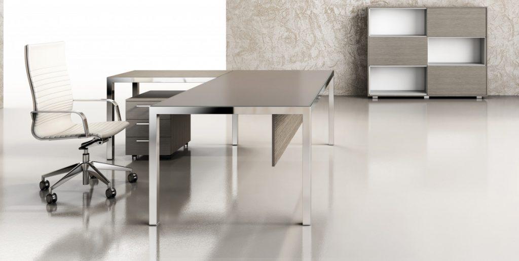 KAY4 executive table with chrome legs