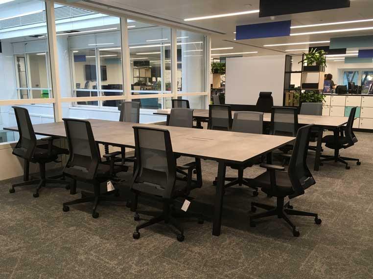 Sagal Group Skuba Hotdesk tables with Look task chairs