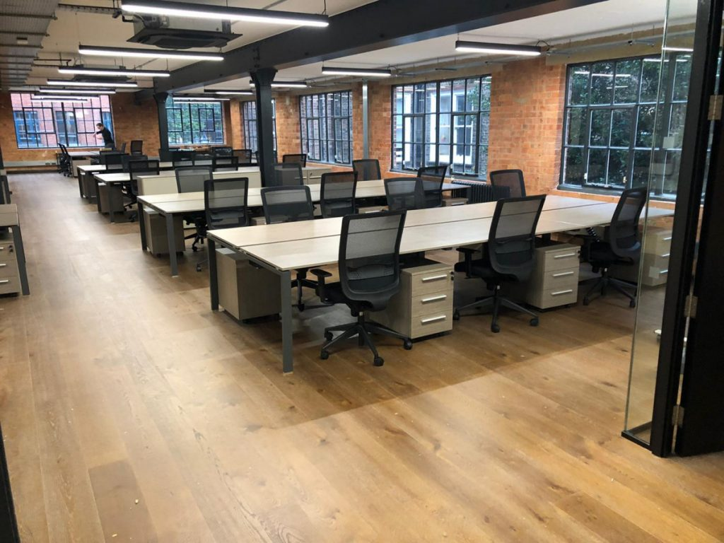 Sedici-noni S1 workstations and Link task Chairs in dove grey oak